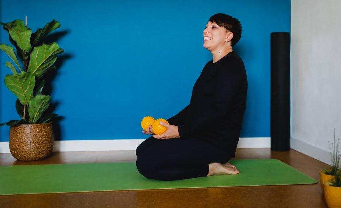"""Featured image for """"Piłeczki sensoryczne w praktyce Joga Fusion"""""""